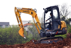 培训设备柳工挖掘机40C