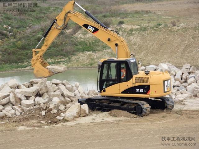 哪里有挖机培训