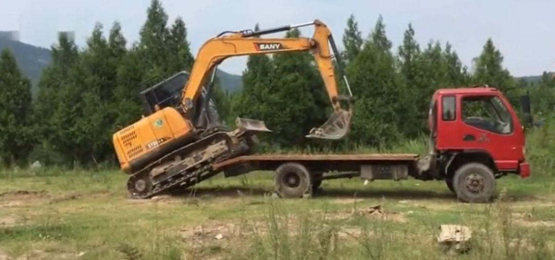 挖掘机培训.jpeg